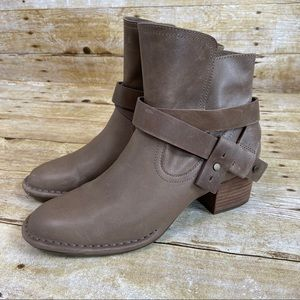 Ugg Brown Leather Elora Ankle Boots